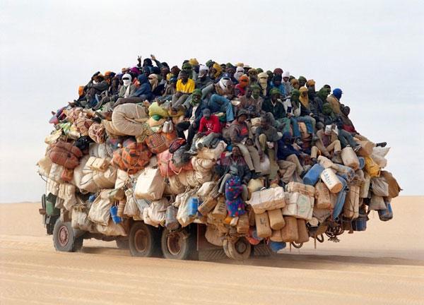 perierga.gr - Πολυφορτωμένα οχήματα στον κόσμο!