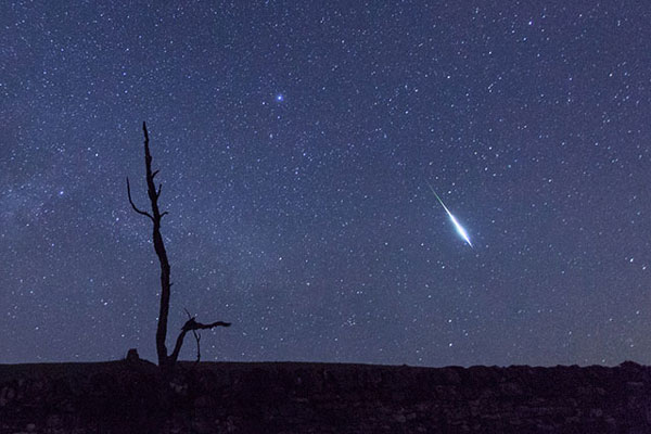perierga.gr - To σημάδι του Ζορό στον έναστρο ουρανό!