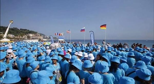 Perierga.gr - Εργοδότης για... όσκαρ στέλνει διακοπές στη Γαλλία 6400 εργαζόμενους!