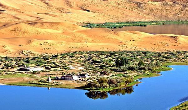 perierga.gr - 140 παράξενες λίμνες στην έρημο!