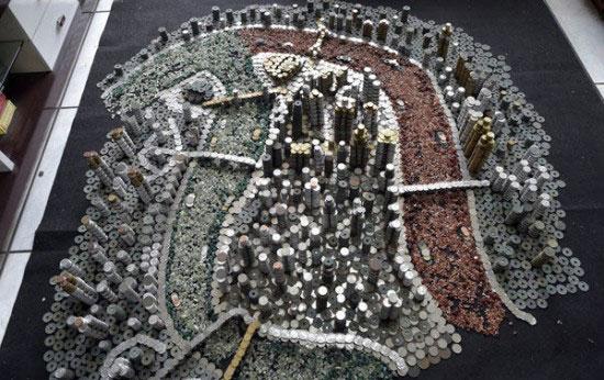 perierga.gr - Έφτιαξε μικρογραφία της πόλης του με 50.000 νομίσματα!
