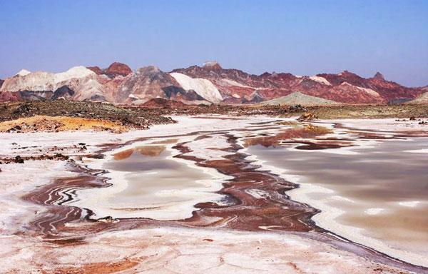 perierga.gr - Hormoz: Το πολύχρωμο νησί του Ιράν!