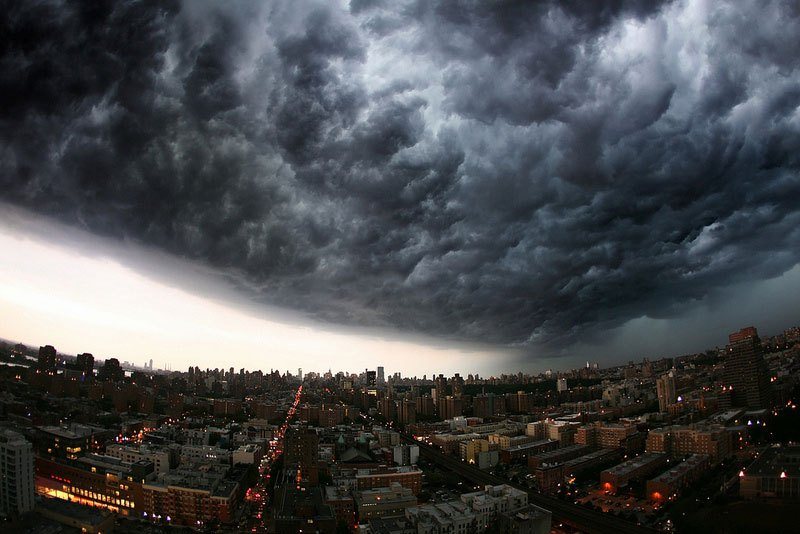 perierga.gr - Εντυπωσιακές καταιγίδες στον ορίζοντα!