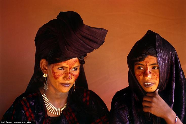 Perierga.gr - Τουαρέγκ, η νομαδική φυλή της ερήμου