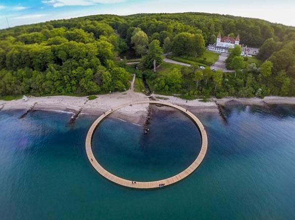 perierga.gr - Στρογγυλή γέφυρα 360 μοιρών προσφέρει απίθανη θέα!