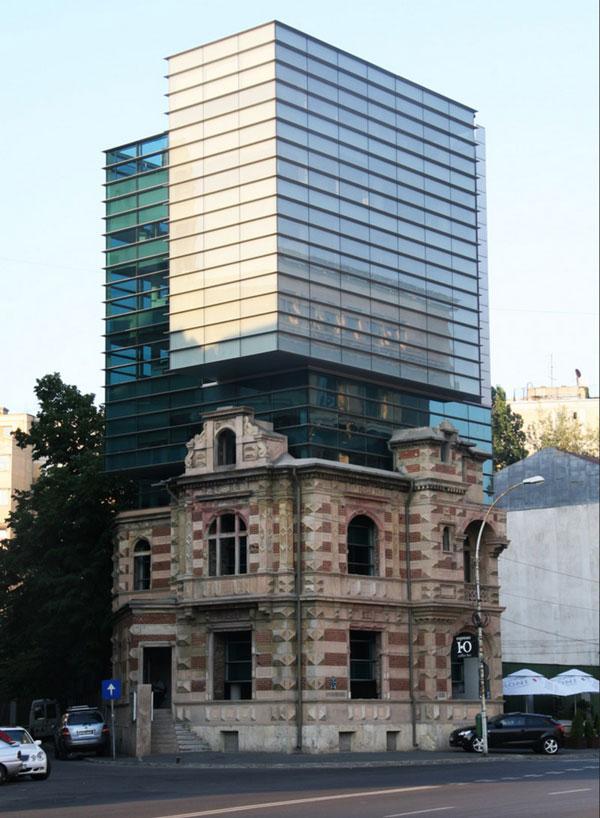 perierga.gr - Όταν η παλιά αρχιτεκτονική συναντά τη νέα!