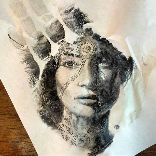 perierga.gr - Πορτρέτα ζωγραφισμένα στο χέρι... σφραγίζονται πάνω σε χαρτί!
