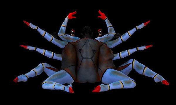 perierga.gr - Ζώα σχηματίζονται με ανθρώπινα σώματα!
