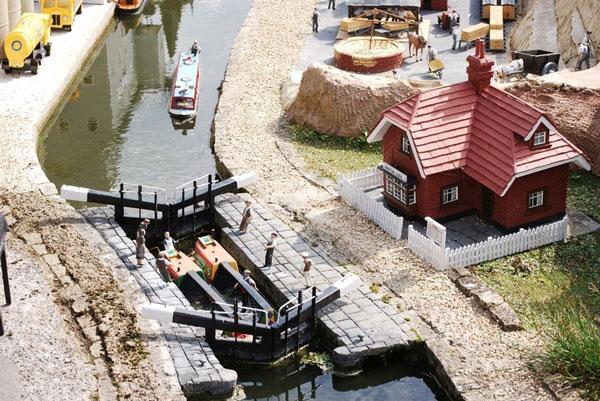 perierga.gr - Bekonscot: Το παλαιότερο μοντέλο χωριού!