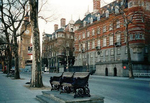 perierga.gr - Η Σκότλαντ Γιαρντ γίνεται 5άστερο ξενοδοχείο!