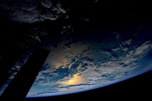 perierga.gr - Πώς φαίνεται η Ελλάδα από τον Διεθνή Διαστημικό Σταθμό;