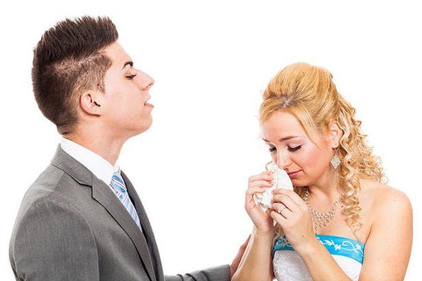 perierga.gr - Γαμπρός μήνυσε τη νύφη μετά το γάμο για εξαπάτηση λόγω... make up!