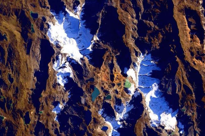 perierga.gr - Απίθανες εικόνες του Scott Kelly από το Διάστημα!