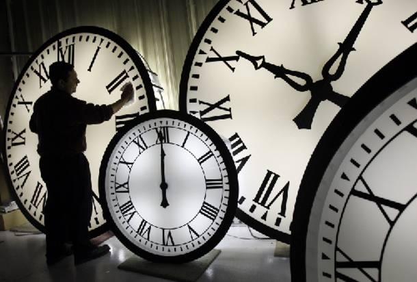 perierga.gr - Πόσο επηρεάζει η αλλαγή ώρας την υγεία μας;