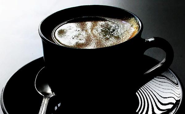 Πίνεις τον καφέ σου σκέτο; Μήπως είσαι ψυχοπαθής;