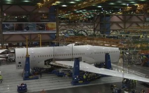 perierga.gr - Σε 4 λεπτά η κατασκευή του νέου Boeing 787-9!