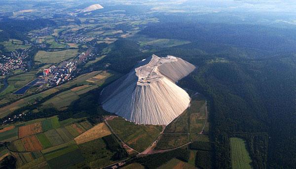 Ένα παράξενο βουνό από… αλάτι!
