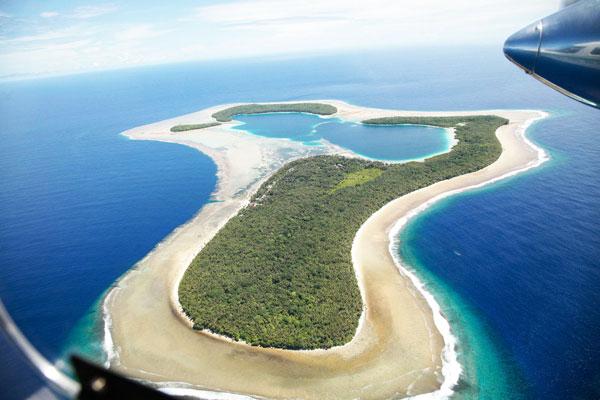 perierga.gr - Το νησί που οι κάτοικοί του πάσχουν από αχρωματοψία!