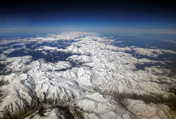 perierga.gr - Υπέροχη θέα από το παράθυρο του αεροπλάνου!