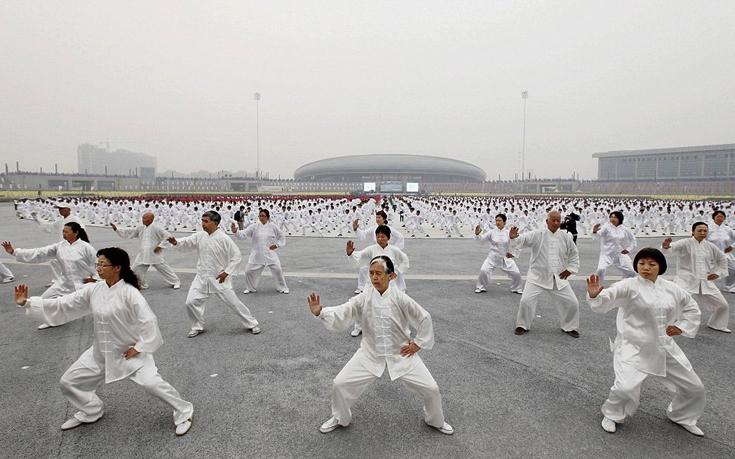 perierga.gr - 50.000 Kινέζοι κάνουν ταυτόχρονα τάι-τσι!