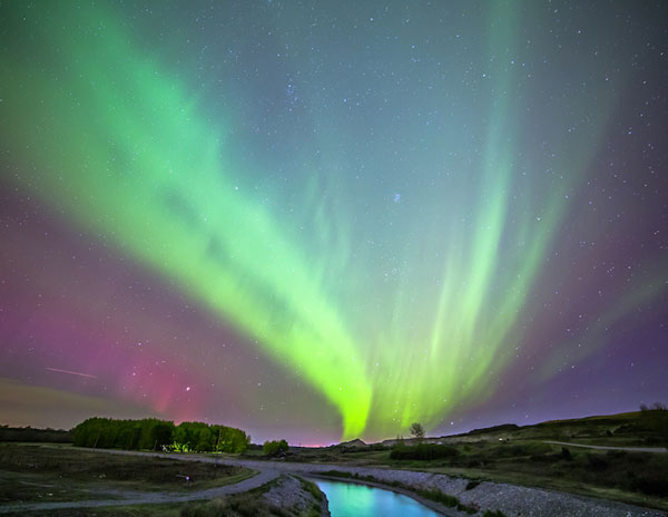 perierga.gr - Εκπληκτικές εικόνες στον ουρανό από το Βόρειο Σέλας