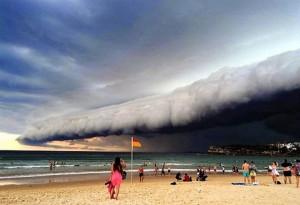 perierga.gr - Εκπληκτικό τσουνάμι από σύννεφα πάνω από το Σίδνεϊ!