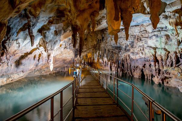 perierga.gr - Τα πιο όμορφα σπήλαια της Ελλάδας