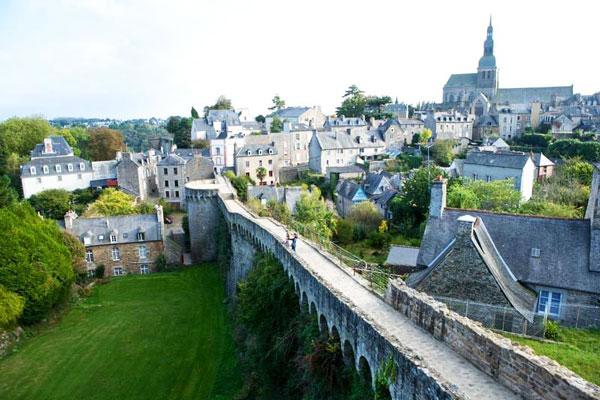 perierga.gr - Dinan: Γαλλικό χωριό βγαλμένο από παραμύθι!