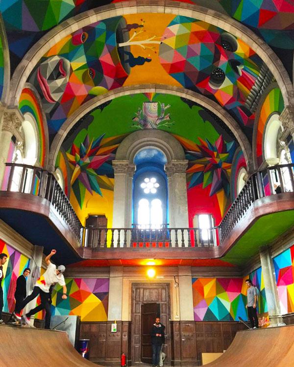 perierga.gr - Iστορική εκκλησία μεταμορφώθηκε σε πάρκο για σκέιτμπορντ!