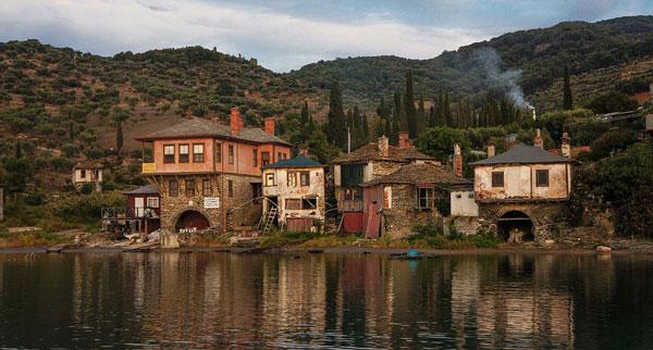 perierga.gr - Φωτογραφικό αφιέρωμα στα χωριά του Αγίου Όρους από την Daily Mail!