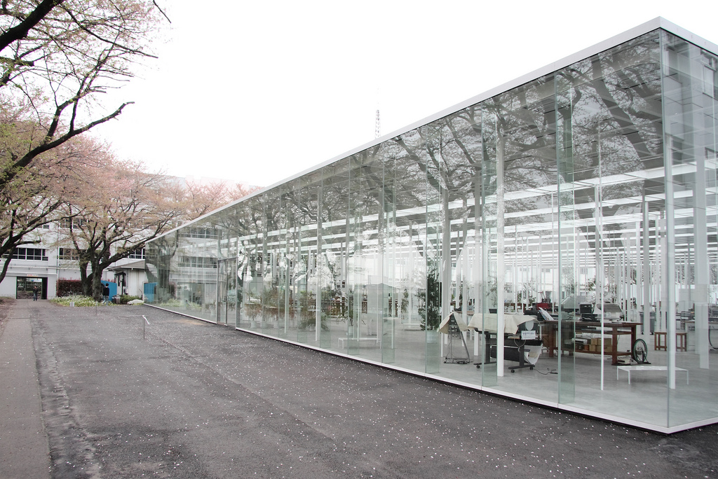 perierga.gr - Εντυπωσιακό σχολείο από γυαλί!