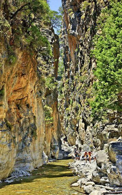 perierga.gr - Υπέροχα αξιοθέατα της κρητικής φύσης!