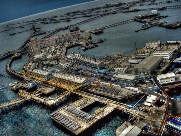 perierga.gr - Πόλη χτισμένη σε πλατφόρμες πετρελαίου!