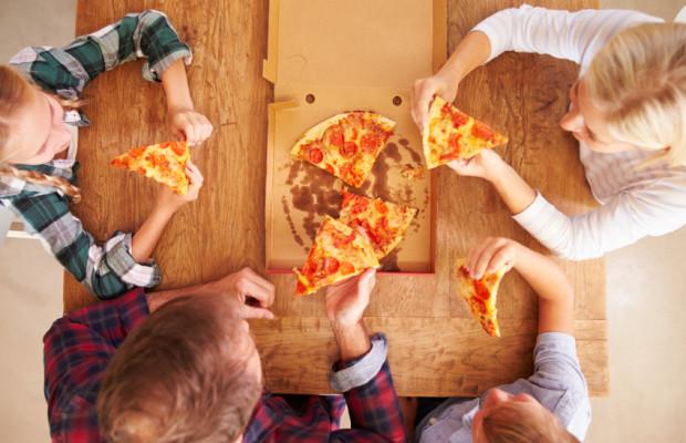 perierga.gr - Υπάρχει τρόπος να φας λιγότερη πίτσα!