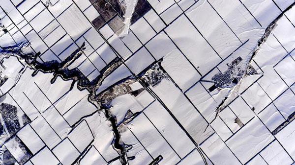 perierga.gr - Τα χρώματα της Γης από το Διάστημα!