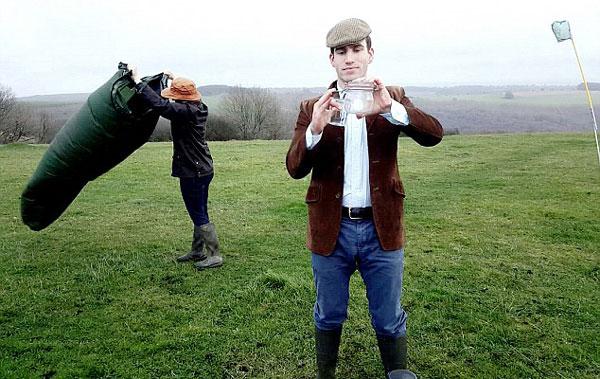 perierga.gr - Νεαρός πουλάει βρετανικό... αέρα στην Κίνα και θησαυρίζει!