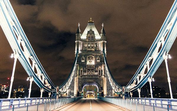 perierga.gr - Το Λονδίνο... έρημη πόλη στο φακό!