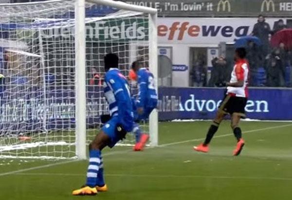 Perierga.gr - Αυτό το γκολ δεν χάνεται! Η ευκαιρία του αιώνα...