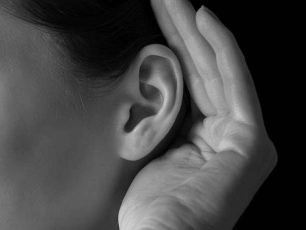 perierga.gr - Γιατί μας «ξενίζει» η φωνή μας όταν την ακούμε ηχογραφημένη;