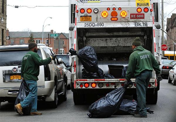 Perierga.gr - Δεν φαντάζεστε πόσα λεφτά βγάζει ένας σκουπιδιάρης στη Νέα Υόρκη!