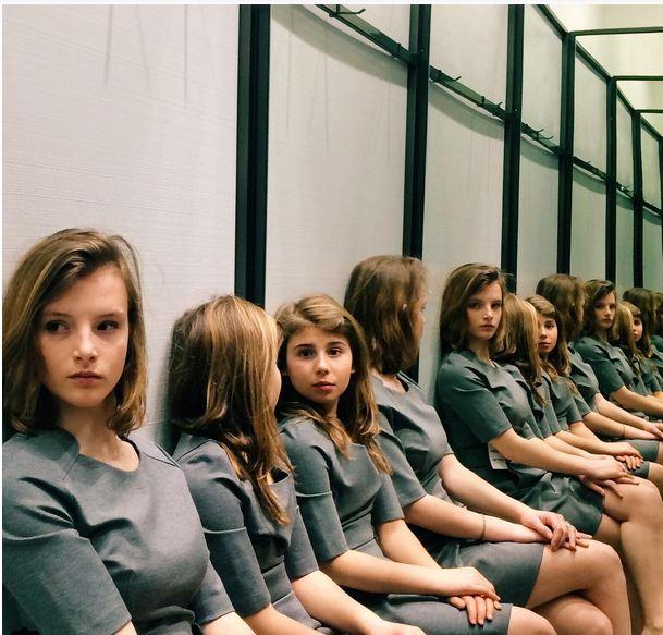 Perierga.gr - Πόσες κοπέλες βλέπετε στη φωτογραφία;