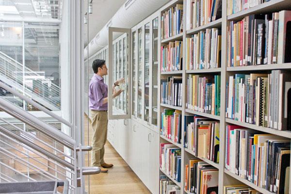 perierga.gr - Η Βιβλιοθήκη των Χρωμάτων του Χάρβαρντ