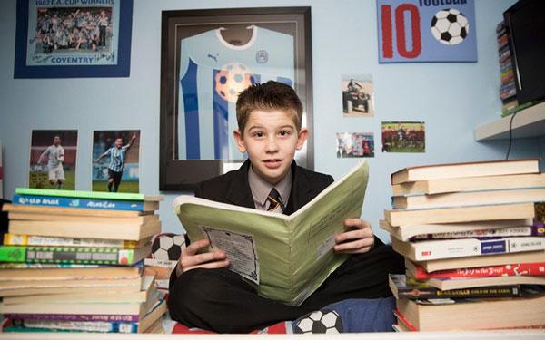 perierga.gr - 11χρονος με IQ ψηλότερο του Αϊνστάιν!