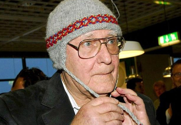 "Perierga.gr - Ο κροίσος των IKEA είναι ένας γέρο-""Σκρουτζ"": Αγοράζει ρούχα από τα ""καλάθια"""
