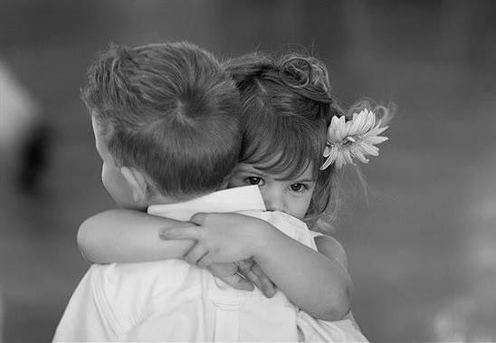 periega.gr - Τα σημαντικά οφέλη της αγκαλιάς!
