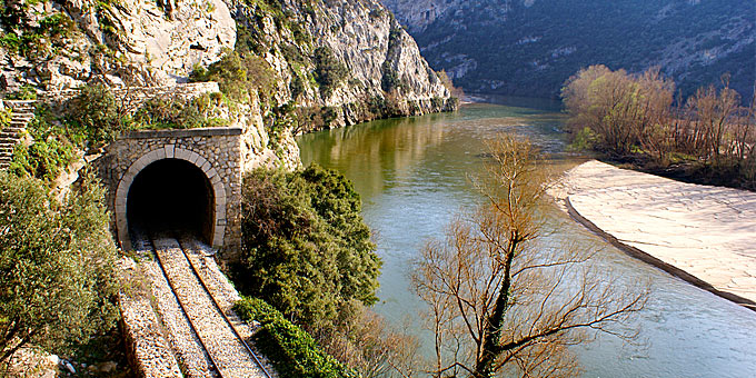 perierga.gr - Οι ωραιότερες διαδρομές με αυτοκίνητο στην Ελλάδα