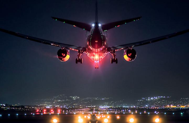 perierga.gr - Eντυπωσιακές φωτογραφίες αεροπλάνων τη νύχτα!