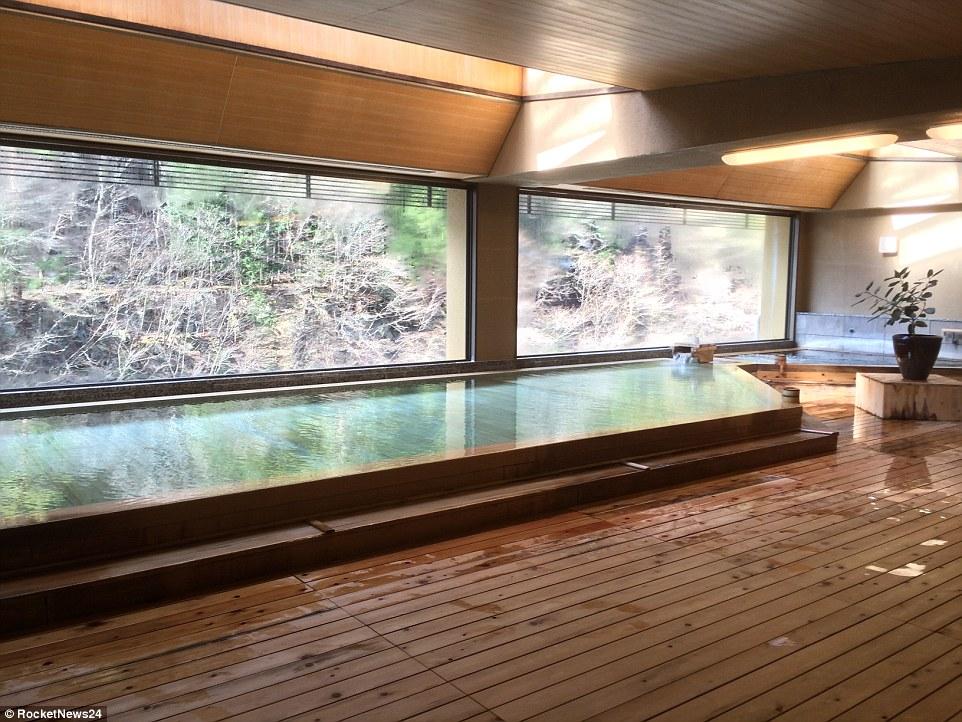 perierga.gr - Ιαπωνικό ξενοδοχείο 1.311 ετών!