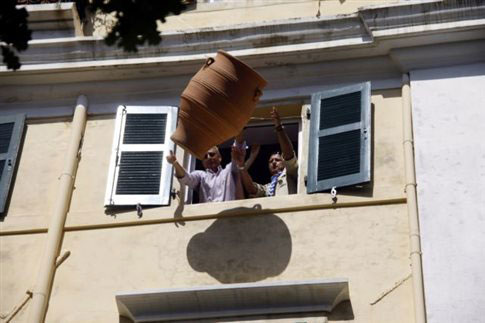 perierga.gr - Ήθη και έθιμα του Πάσχα σε όλη την Ελλάδα!