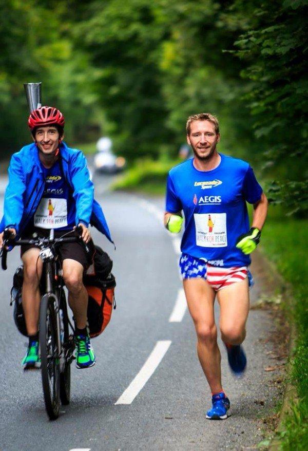 perierga.gr - Άντρας τρέχει 370 Μαραθώνιους τον χρόνο!
